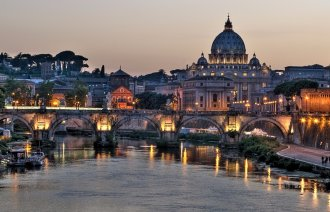 Večerní pohled na Vatikán