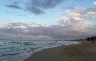Západ slunce nad pláží
