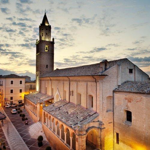 Katedrála v Città Sant'Angelo